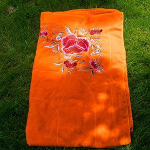 NWOT Emanuel Ungaro Paris beach towel - HUGE